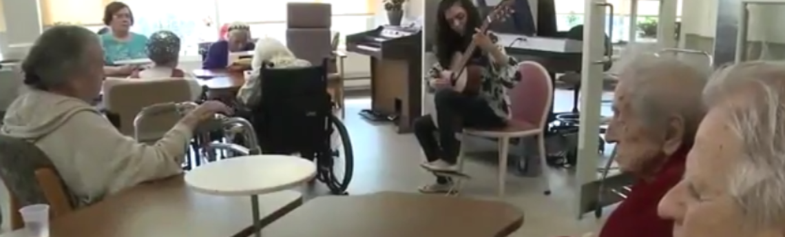 How Music Therapy Can Benefit Seniors
